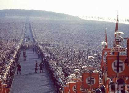 700,000 people German Thanksgiving 1934