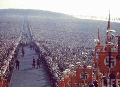 700,000 people German Thanksgiving 1934
